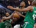 """The Greek Freak"" (centro) está entre los candidatos a ser MVP de la NBA. AP/A. Gash"