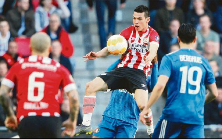 Chucky Lozano rescata empate para el PSV con golazo
