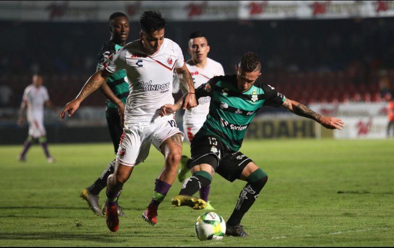 Veracruz rezagado en lo bajo de las tablas enfrentan a Santos