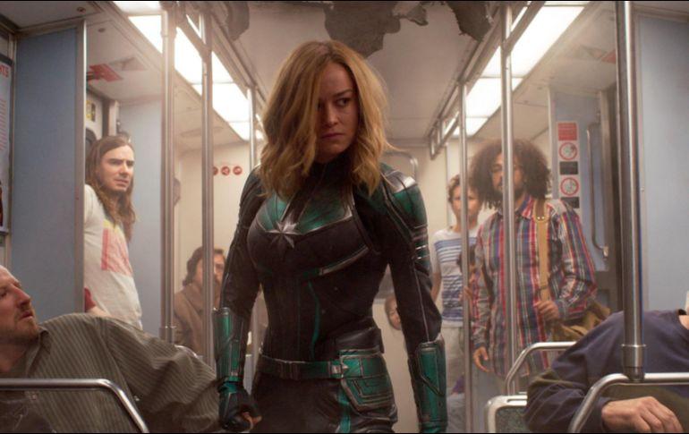 Así fue el encuentro de Capitana Marvel con los Avengers — Avengers Endgame