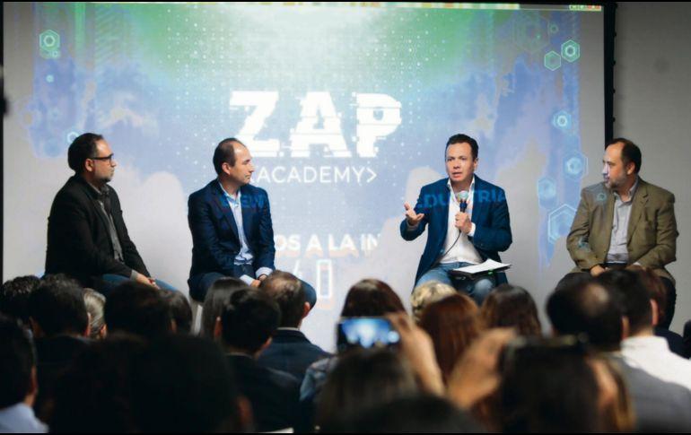 Guillermo Ortega, cofundador de iTexico; Bismarck Lepe, fundador de Wizeline; Pablo Lemus, alcalde de Zapopan y Benjamín Huerta, director de Amdocs. ESPECIAL