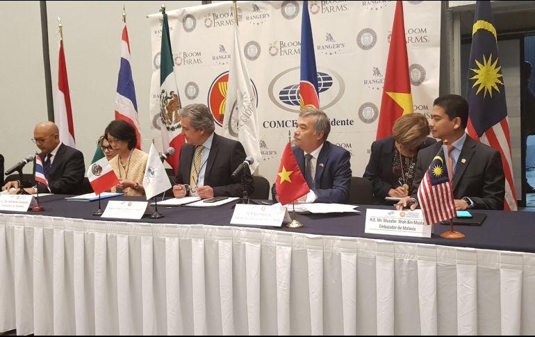 En el foro celebrado en Expo Guadalajara estuvieron presentes los embajadores en México de Indonesia, Vietnam y Malasia, así como un representante de Filipinas. EL INFORMADOR / A. Gallegos