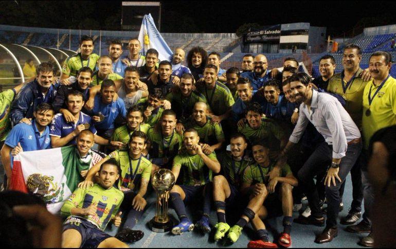 El 'Loco' Abreu consigue su primer título - Deportes