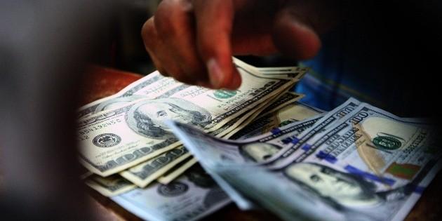 Dólar abre en 19.58 pesos a la venta en bancos