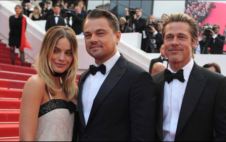El filme es protagonizada por DiCaprio, Brad Pitt, Margot Robbie, Bruce Dem, Al Pacino, Dakota Fanning, Damian Lewis y el recién fallecido Luke Perry. AP / P. Gliannakouris