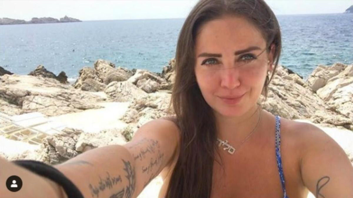 Actriz Porno Del Betis celia lora asegura que el comentario sobre amlo sólo fue una