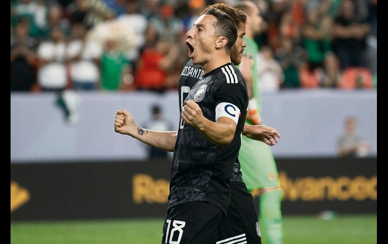 El tapatío marcó par de tantos y empató a Luis Roberto Alves como máximo anotador mexicano en Copa Oro. IMAGO7