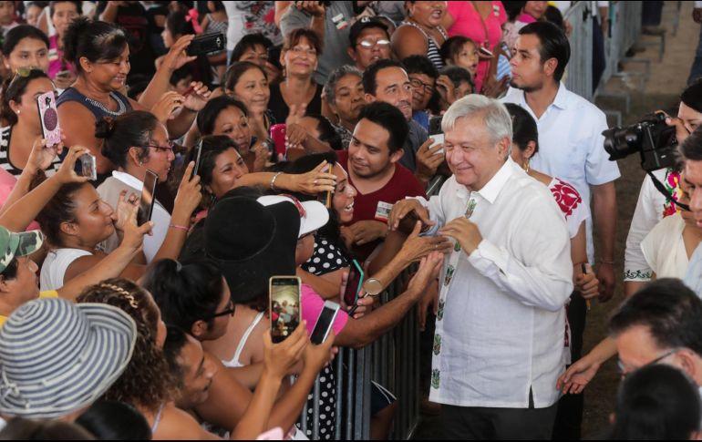 El Presidente también se comprometió a crear una planta de generación de energía eléctrica a fin de que no haya más apagones en la Península de Yucatán. NOTIMEX/Presidencia