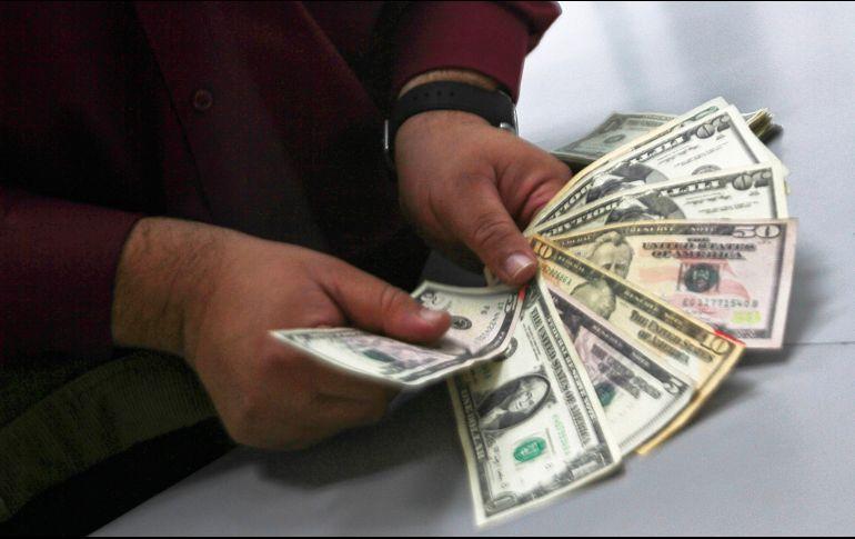 De esta forma durante la sesión, se espera que el tipo de cambio cotice entre 19.05 y 19.20 pesos por dólar. NTX / ARCHIVO