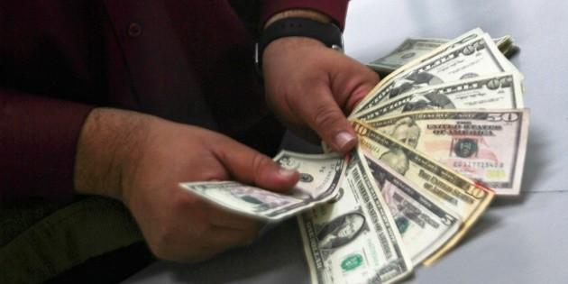 Dólar inicia semana con ganancia, se vende hasta en 19.52 pesos