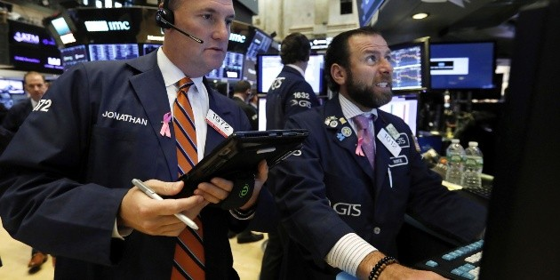 Acciones de salud encabezan las pérdidas en Wall Street