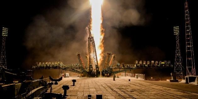 Nave Soyuz arriba a la EEI en 50 aniversario de llegada a la Luna