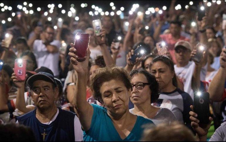 El domingo se organizó una vigilia para honrar a las víctimas del ataque. GETTY IMAGES