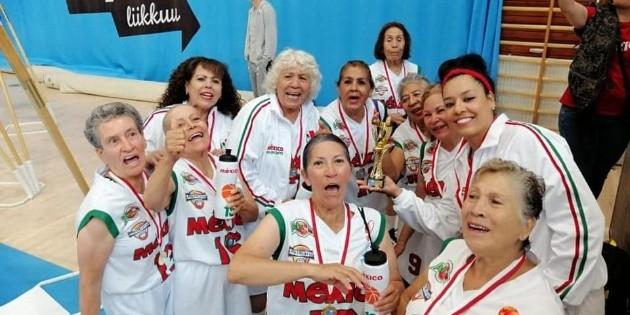 Abuelitas mexicanas ganan Mundial de Basquetbol en Finlandia