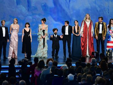 "Los actores de ""Game of Throes"" agradecen al público. AFP / F. Brown"