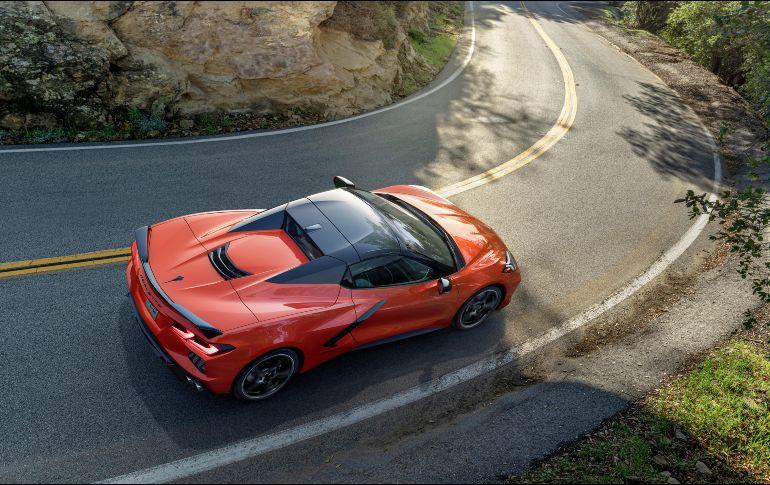 Chevrolet presenta el primer Corvette Convertible con motor central en su historia