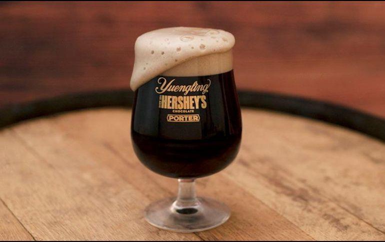 La empresa dijo que la nueva cerveza combina más de 300 años de su respectivo dominio y herencias arraigadas en Pensilvania. TWITTER / @Yuengling_Beer