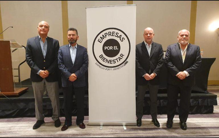 Más de cien empresas de México y de Jalisco se unieron a la iniciativa Empresas por el Bienestar. En la imagen: Fernando Topete (i), Álvaro Leaño, Alfonso Urrea y Horacio Fernández (d). EL INFORMADOR / J. Velazco