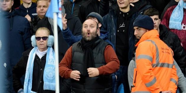 Aficionado de Manchester City es arrestado por gestos racistas | El Informador :: Noticias de Jalisco, México, Deportes & Entretenimiento