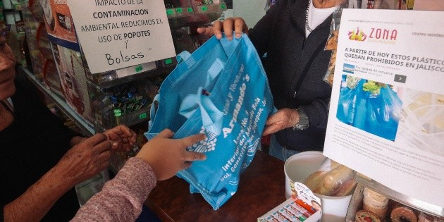 Prohibición de bolsas de plástico en Zapopan, más severa que la regulación estatal