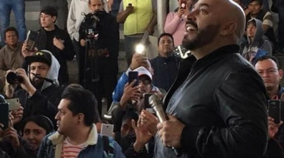 Lupillo Rivera interpretó canciones como