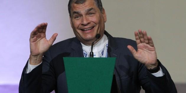 Ecuador suspende juicio por corrupción al ex presidente Correa