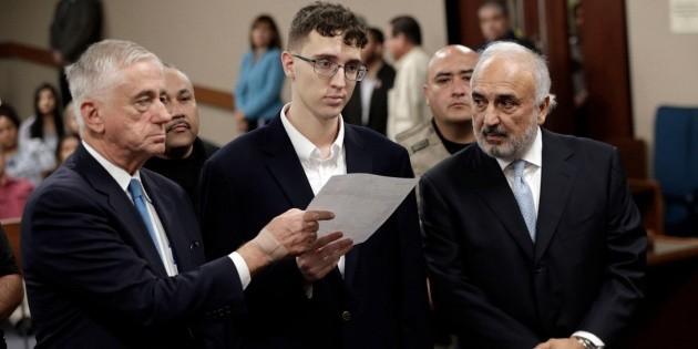 Joven acusado de masacre en El Paso comparece en la corte