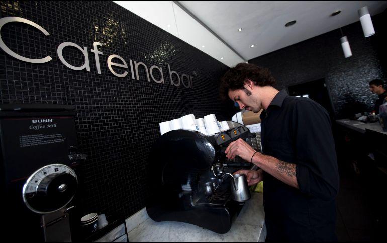 Entre 2013 y 2018 el valor de la industria de cafeterías creció 61.6%, para llegar a 695 MDD, y rumbo a 2023 se espera crecer otro 19.1%. EL INFORMADOR/Archivo