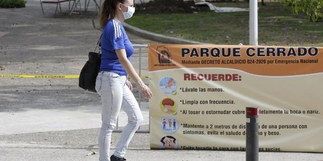 Panamá entra en cuarentena total; Uruguay cierra fronteras a extranjeros