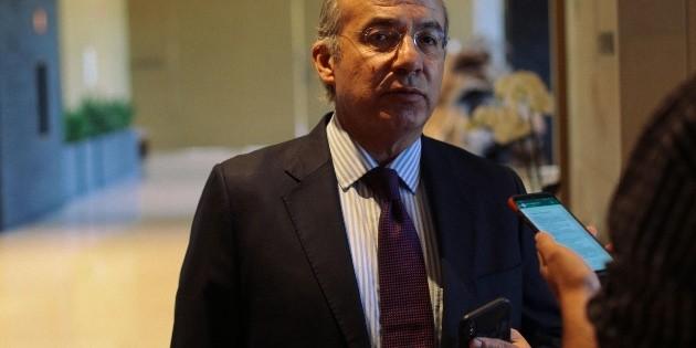 Calderón pide a López Obrador cancelar eventos y posponer censo del Inegi