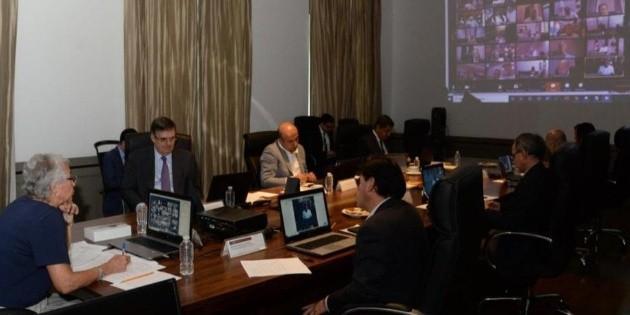 Dialogan autoridades federales con gobernadores por COVID-19