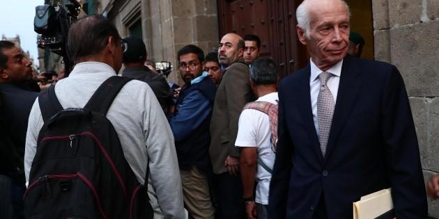 Llegan empresarios a Palacio Nacional para reunión con AMLO