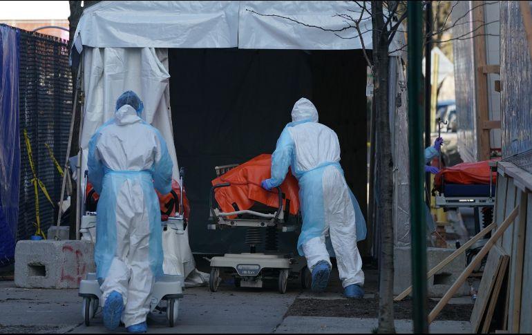 Los fallecidos han llegado a 100 mil 376, con Italia con el mayor número de decesos, seguida de EU y España. AFP / ARCHIVO