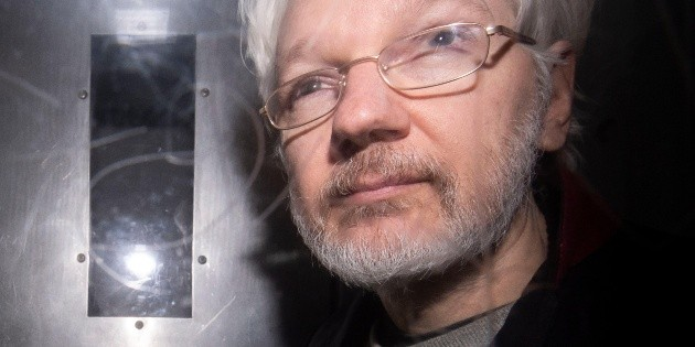 Posponen audiencia de extradición de Assange