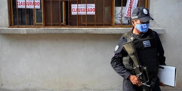 Queman casa donde vendían alcohol adulterado en Morelos