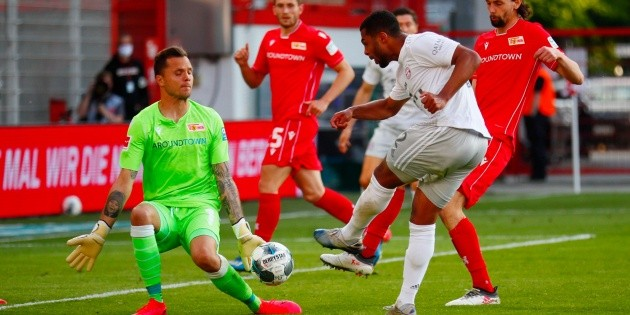 Bayern Munich se impone ante Unión Berlín en su regreso a la competición