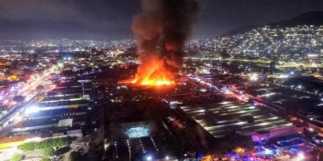 Incendio en central de abasto de Oaxaca
