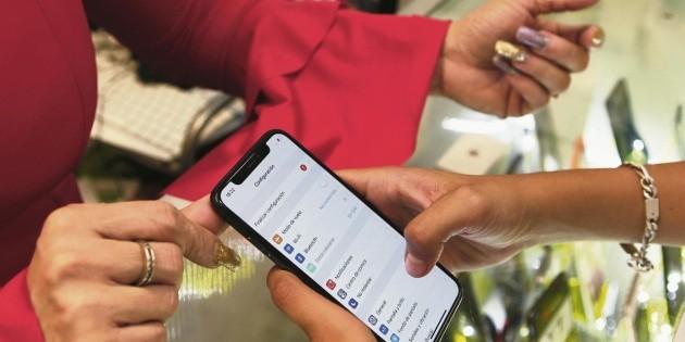 Televisa incursiona en la telefonía móvil