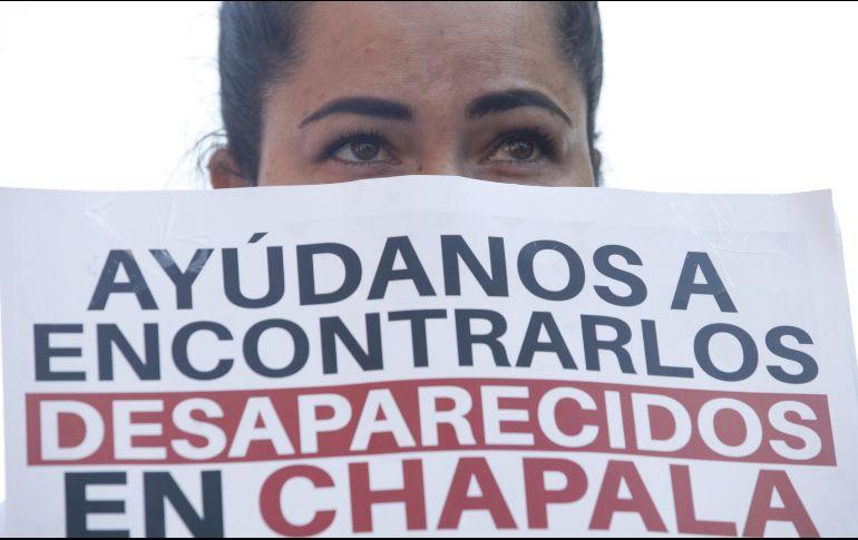 Esta mañana habitantes de Chapala se manifestaron por la desaparición de Griselda, Ángel y Wenceslao. EFE/F. Guasco