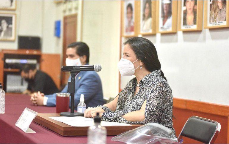 La diputada Mirza Flores dijo que desde hace años profesionales en la materia han solicitado un marco jurídico que dé certeza a su actividad. Cortesía