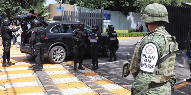 Resguardan hospital tras atentado a García Harfuch