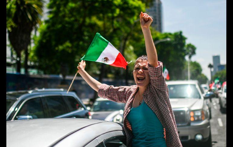 Manifestantes avanzaron en caravana en Ciudad de México. AFP/P. Pardo