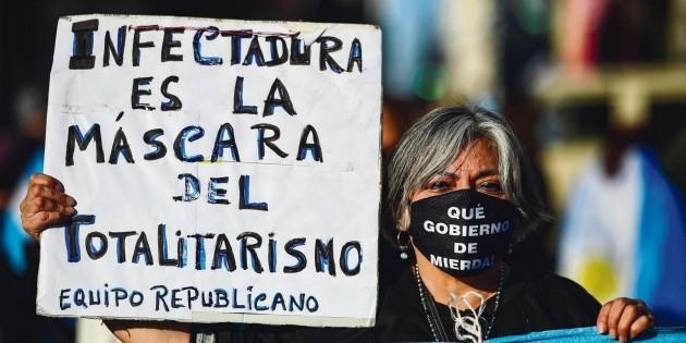 En Argentina protestan contra extensión de la cuarentena