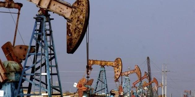 Petróleo registra ligera baja antes de cifras del empleo en EU