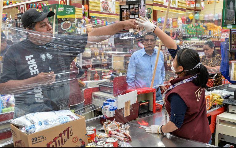 La mayor caída en ventas se registró en abril y ha seguido a la baja hasta julio. AFP/ARCHIVO