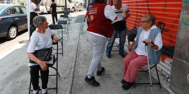 """""""Presupuesto debe reforzar apoyos para los más afectados por COVID"""": Coneval"""