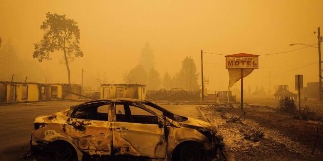 Por incendios, piden a medio millón abandonar sus hogares