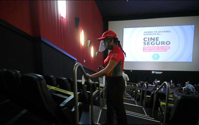 La Ciudad de México, que anualmente aporta tres de cada 10 boletos vendidos a nivel nacional, permitirá crecer el aforo del 40% actual en cines, al 50% a partir del próximo día 24. SUN /ARCHIVO