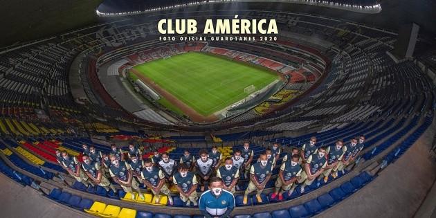 América le rinde homenaje a su afición en la foto oficial