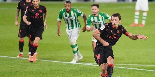 Real Sociedad golea al Betis y lidera LaLiga